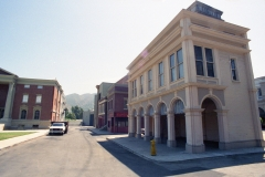 USH_Backlot_Courthouse_Square1998_2