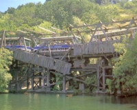 collapsingbridge_universal