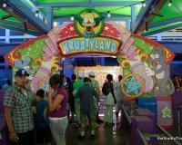 Simpsons Ride Queue